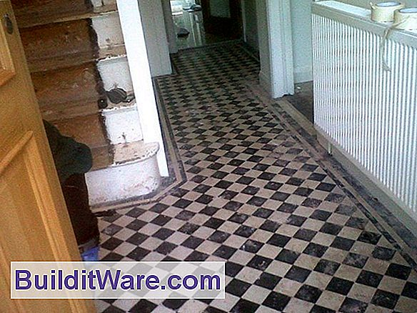 Eingang Floor Tile Installation
