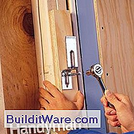 garage security eine einbruchsichere t r n tzliche hinweise zu reparieren machen sie ihre. Black Bedroom Furniture Sets. Home Design Ideas