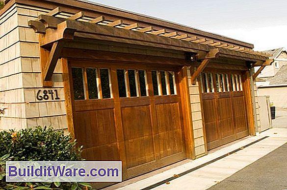 Stile Und Details: Es Ist Am Besten, Ihr Garagentor Dem Stil Ihres Hauses  Anzupassen, Also Suchen Sie Sich Eines Aus, Das Die Architektonischen  Merkmale, ...