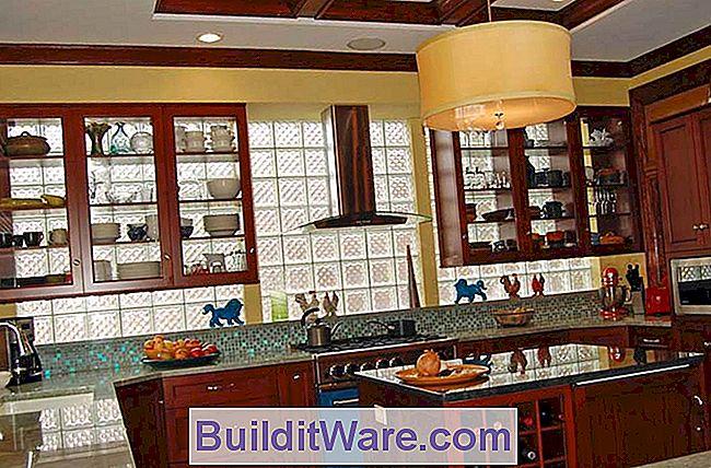 Glazen blokkeuken in een oud huis nuttig advies over reparatie